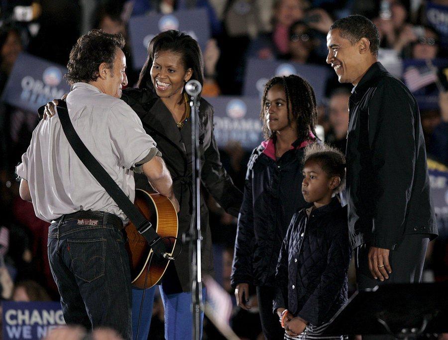Νοέμβριος 2008, σε συναυλία με τη φαμίλια των Ομπάμα. Υπέρ της ιστορικής εκλογής του πρώτου Αφροαμερικανού στην προεδρία των ΗΠΑ