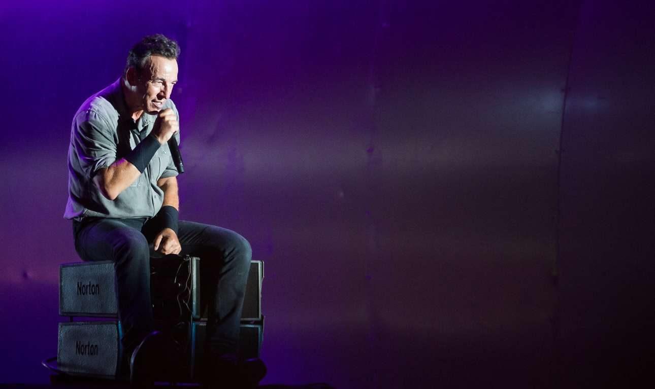 Σεπτέμβριος 2013, σε συναυλία στο Ρίο ντε Τζανέιρο στο πλαίσιο του φεστιβάλ Rock in Rio. Η σχέση του με το κοινό παροιμιώδης