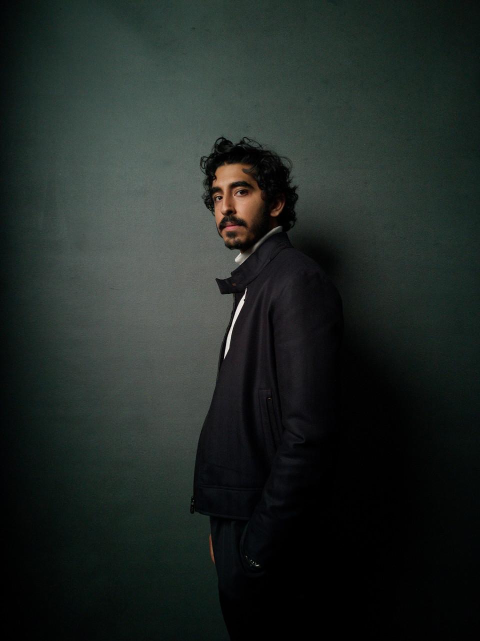 Ο Ντεβ Πατέλ πρωταγωνιστεί στο «Hotel Mumbai» που εξιστορεί όσα συνέβησαν στην τρομοκρατική επίθεση στη Βομβάη το 2008