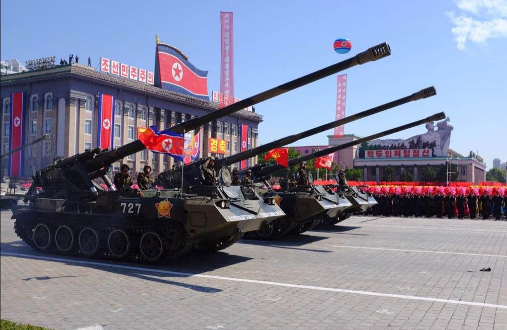 Τεθωρακισμένα οχήματα μεταφοράς προσωπικού, πολλαπλοί εκτοξευτήρες ρουκετών και άρματα μάχης ακολούθησαν