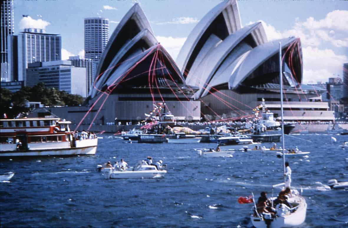 Η όπερα εγκαινιάστηκε στις 20 Οκτωβρίου του 1973 από τη βασίλισσα Ελισάβετ