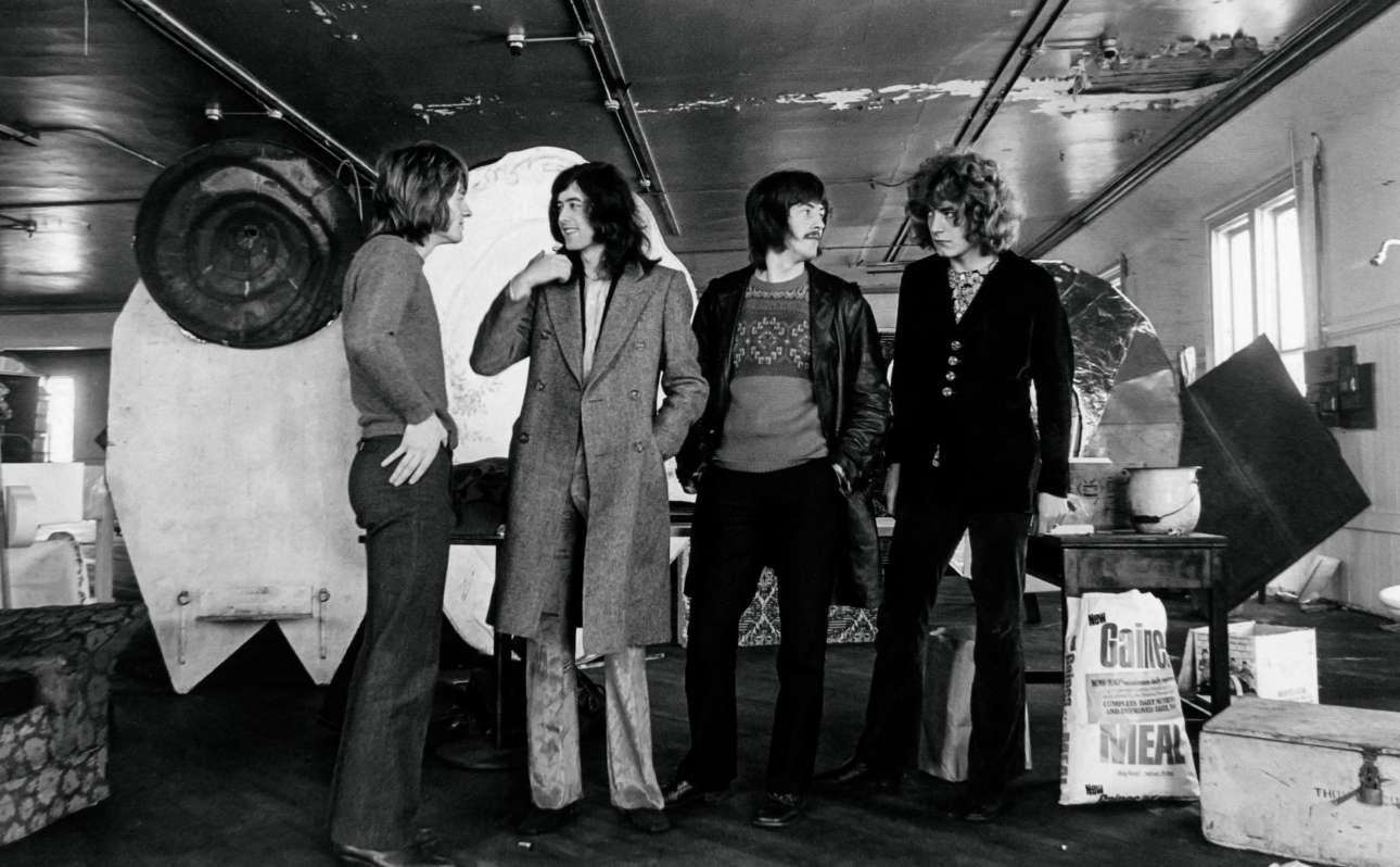 Σαν Φρανσίσκο, 1969. Σύμφωνα με τον μπασίστα των Led Zeppelin Τζον Πολ Τζόουνς «οι φωτογραφίσεις ήταν κάτι που έπρεπε να γίνει, όπως οι συνεντεύξεις»