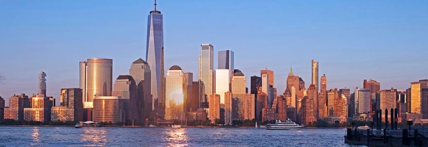 2018: Το οικοδόμημα One World Trade Center είναι το κεντρικό κτίριο του συγκροτήματος εμπορικών κέντρων του Μανχάταν. Εχει ύψος 541,32 μέτρα και είναι το υψηλότερο κτίριο στις ΗΠΑ