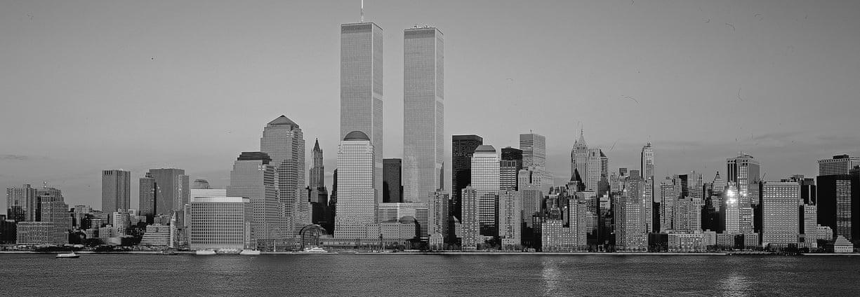 1999: Κτίρια που κατασκευάστηκαν το 1971 και το 1973, οι Δίδυμοι Πύργοι του Παγκόσμιου Κέντρου Εμπορίου (Τhe Twin Towers of the World Trade Center) ήταν οι υψηλότεροι ουρανοξύστες του κόσμου. Είχαν ύψος 416,90 μέτρα και  415,10 μέτρα