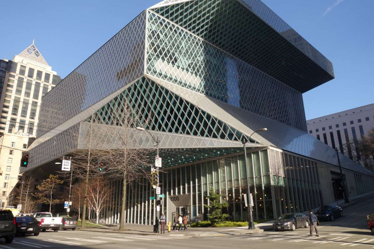 Η δημόσια βιβλιοθήκη και ορόσημο της πόλης του Σιάτλ, έχει σχεδιαστεί από τον διάσημο ολλανδό αρχιτέκτονα Ρεμ Κούλχας