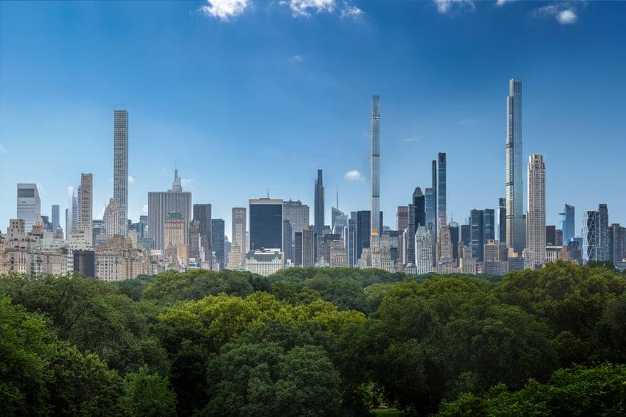 2022:  Ετσι θα δείχνει το Μανχάταν φωτογραφημένο από το πάρκο του, το Central Park. Πολλοί οι νεόδμητοι ουρανοξύστες με τη μοντέρνα, «λεπτή» γραμμή. Καθώς θα διαθέτουν διαμερίσματα πολυτελείας, θα πολλαπλασιάζονται γρήγορα και θα κυριεύουν τον ορίζοντα