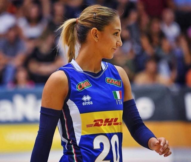 Η Μπεατρίτσε Παροκιάλε παίζει σε θέση λίμπερο στην ιταλική εθνική ομάδα