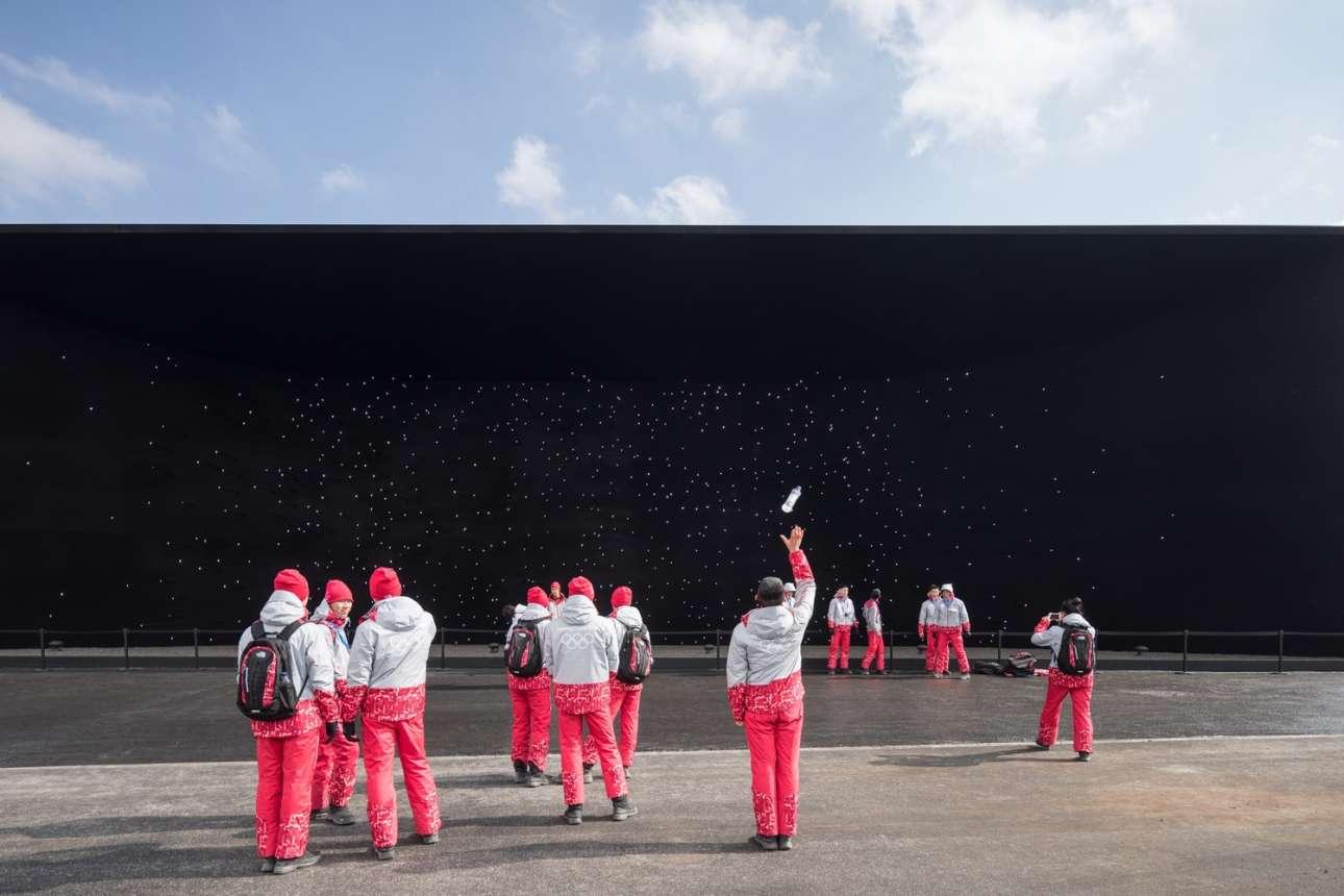 «Vantablack Pavilion», σχεδιασμένο από τον Ασίφ Καν, στην Πιονγκτσανγκ της Νότιας Κορέας
