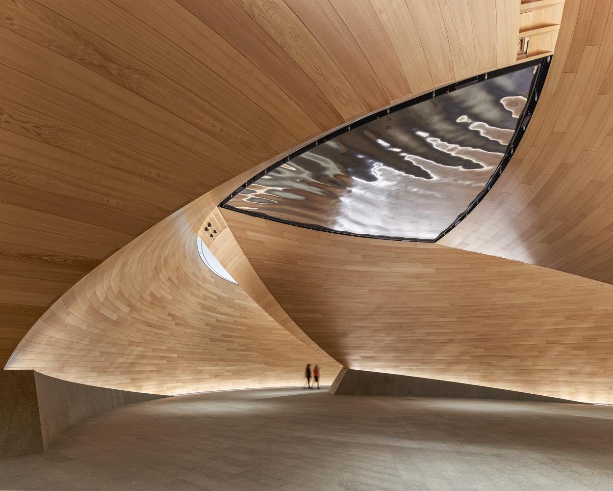 «The Vortex», το φουτουριστικό σχέδιο των Foster + Partners, για την ευρωπαϊκή έδρα των επιχειρήσεων Bloomberg, στο Λονδίνο