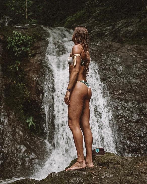 Η προφανής σέξι πλευρά της Ρόμπινσον, όπως τη μοιράζεται με τους followers της στο Instagram