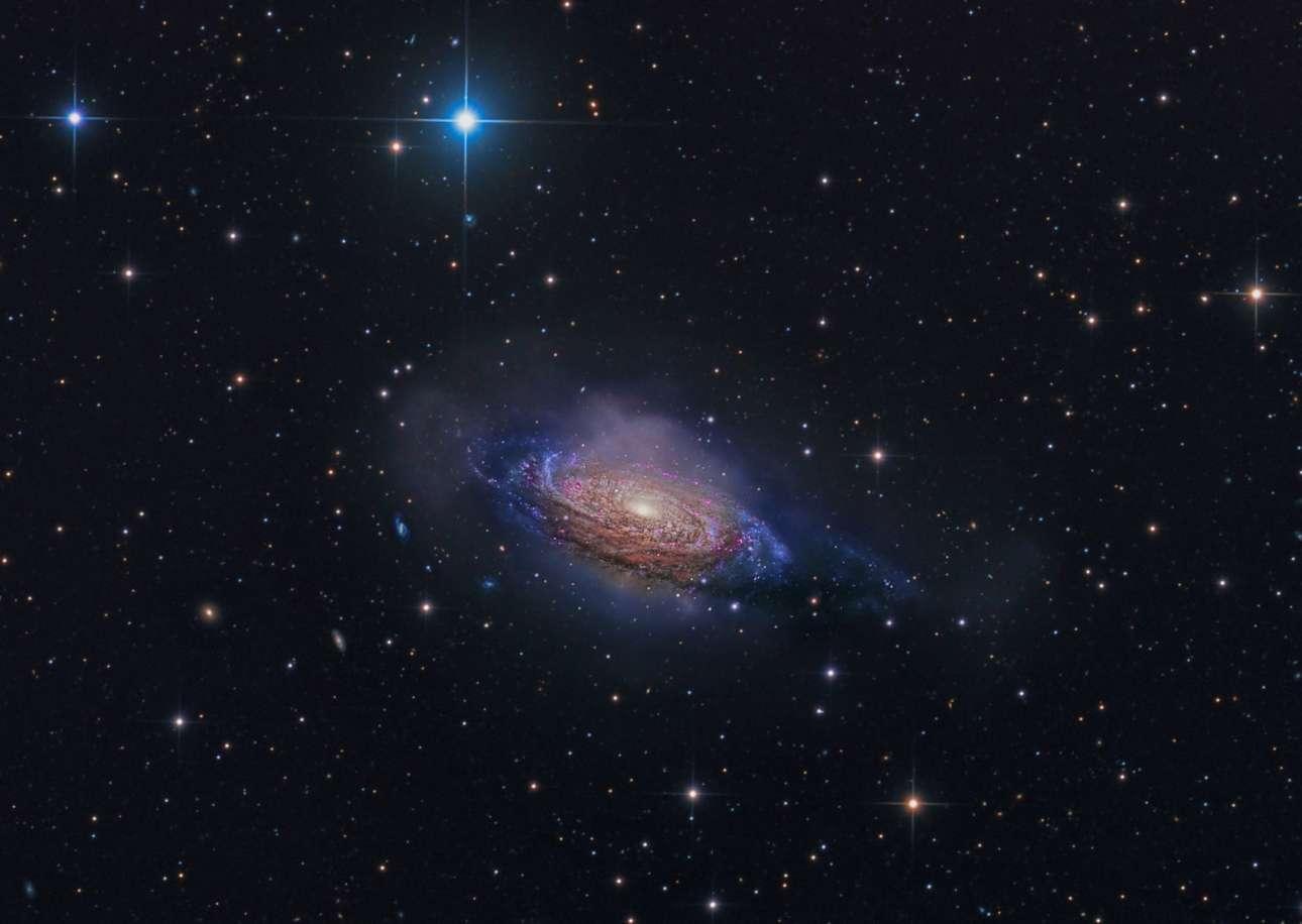 Βραβείο στην κατηγορία «Γαλαξίες». Ο μυστηριώδης γαλαξίας NGC 3521, ο οποίος απέχει 26 εκατομμύρια έτη φωτός από τη Γη