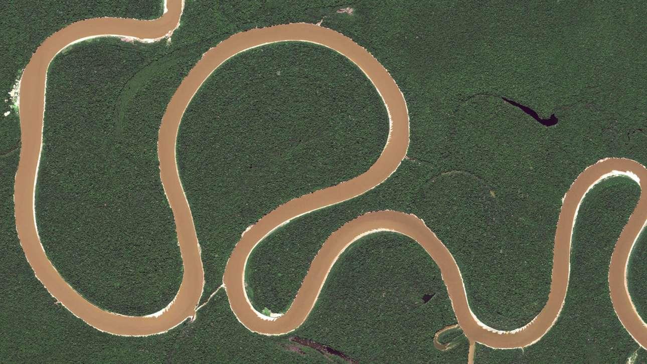 Εντυπωσιακοί μαίανδροι στη βραζιλιάνικη ζούγκλα, σχηματισμένοι από κάποιον παραπόταμο του Αμαζονίου