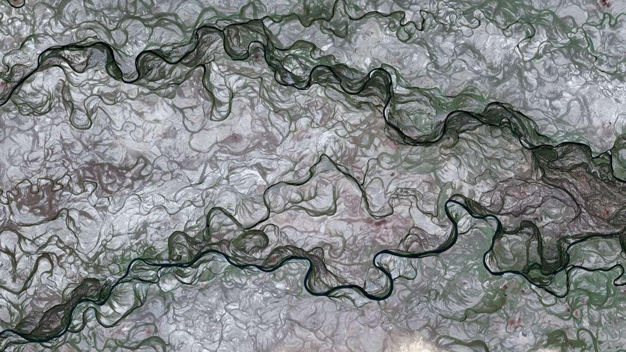 Ποτάμια ρεύματα της Μογγολίας σχηματίζουν αυτή την εντυπωσιακή σύνθεση