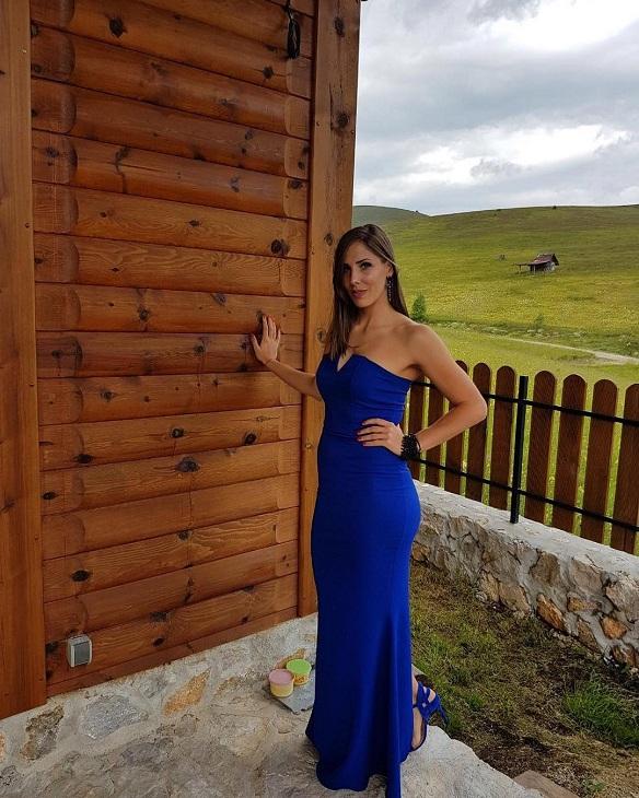 Η ωραία Τιγιάνα Μαλέσεβιτς, από τη Σερβία, έχει ύψος 1.85