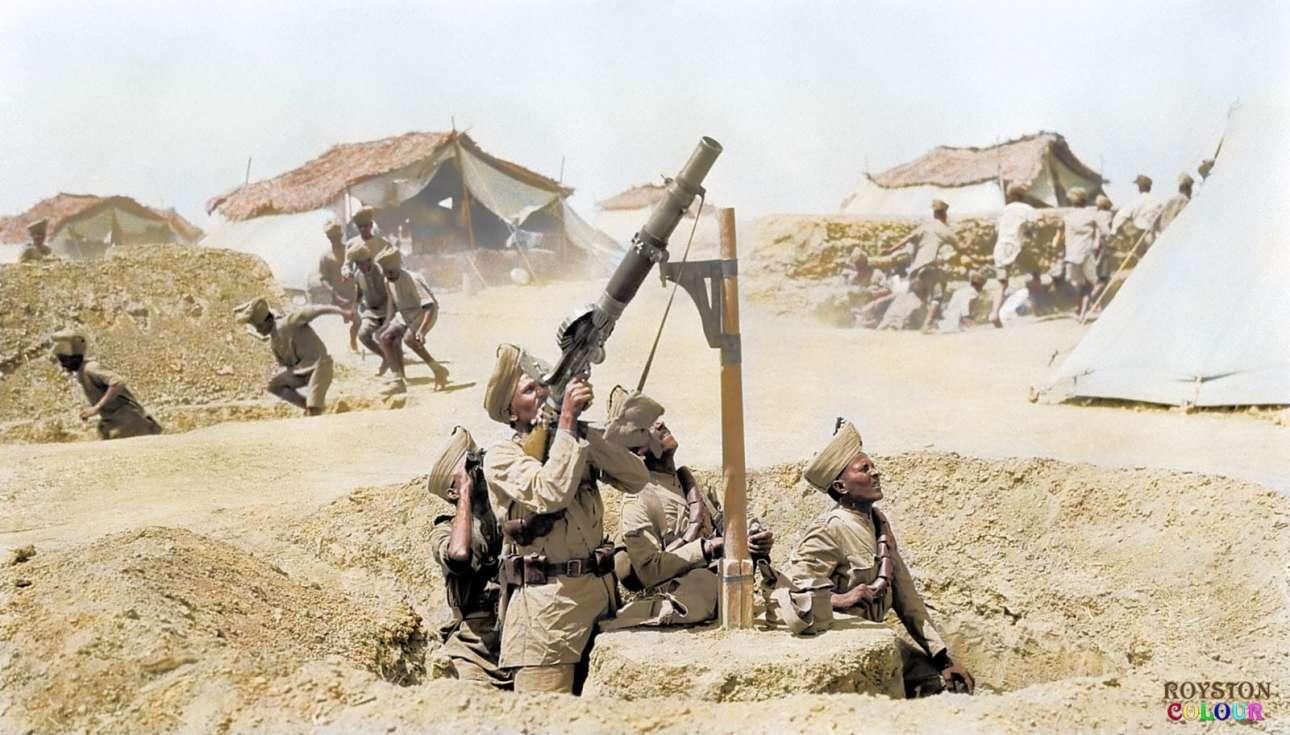 Ινδοί στρατιώτες χρησιμοποιούν ένα πολυβόλο τύπου Lewis στη Μεσοποταμία το 1918. Το όπλο σχεδιάστηκε στις ΗΠΑ και τελειοποιήθηκε στο Ηνωμένο Βασίλειο. Χρησιμοποιήθηκε ευρέως από τα βρετανικά στρατεύματα κατά τη διάρκεια του πολέμου