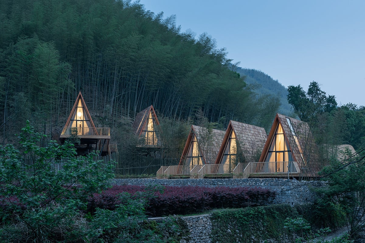 To θέρετρο Treewow αποτελείται από ξύλινες κατοικίες χτισμένες στο απομακρυσμένο χωριό Yuyao της Κίνας