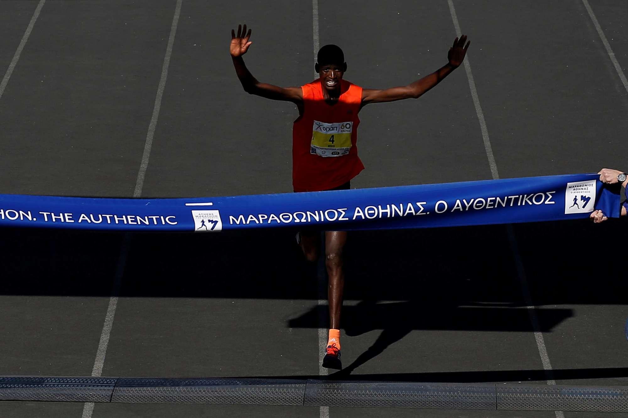 Ο τερματισμός του Κενυάτη που πήρε την πρώτη θέση...