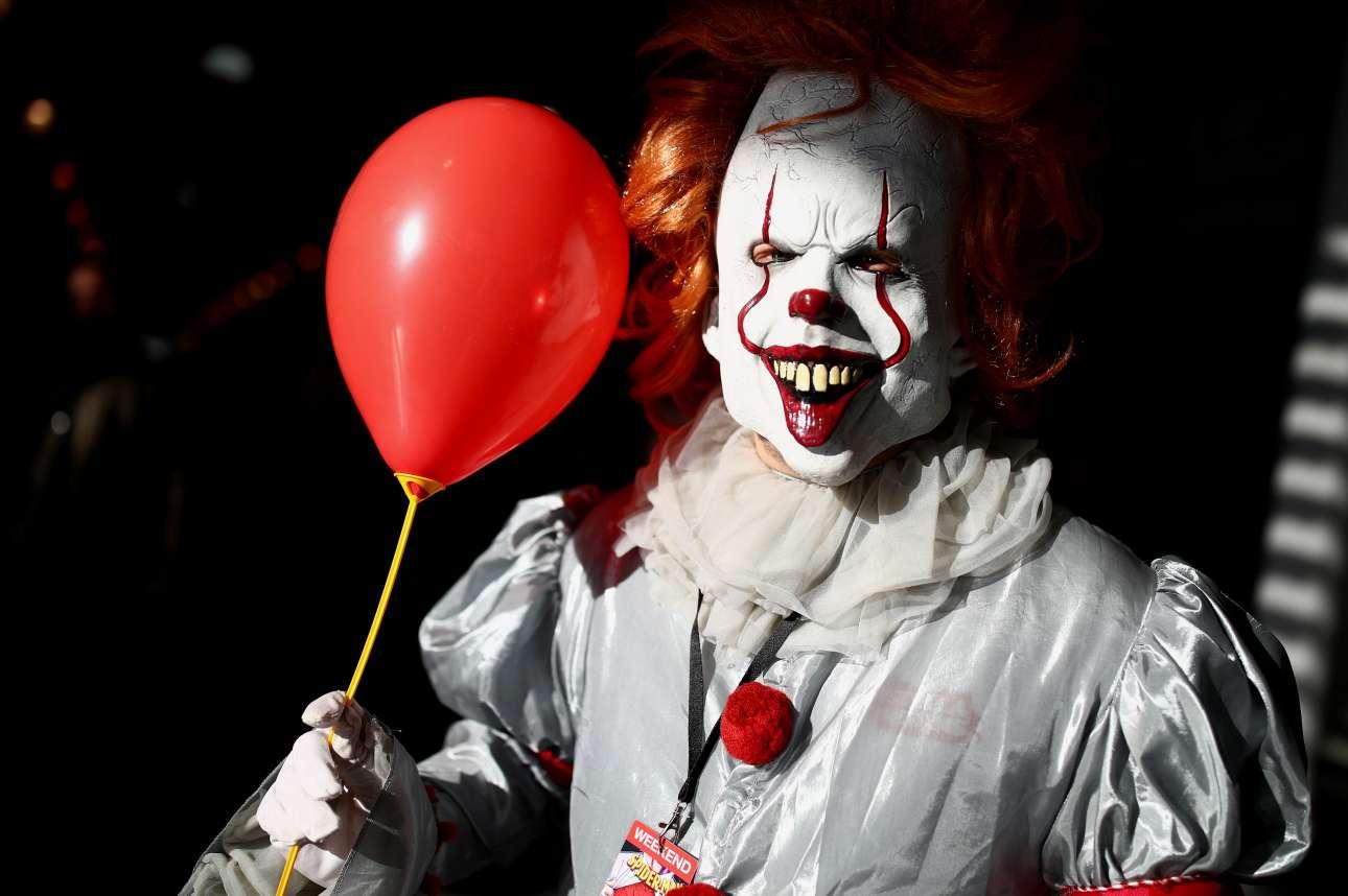 Σάββατο, 17 Νοεμβρίου, Αυστρία. O τρομακτικός κλόουν Pennywise από την ταινία «It» στην έκθεση Comic Con της Βιέννης