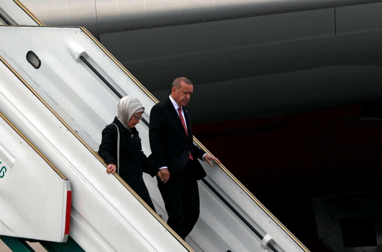 Ο τούρκος πρόεδρος Ταγίπ Ερντογάν με τη σύζυγό του Εμινέ φτάνουν στην Αργεντινή