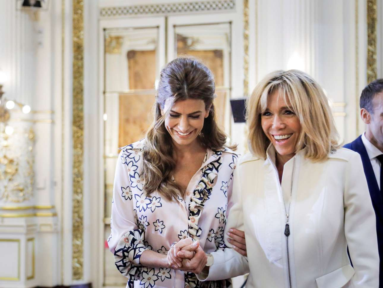 Οσο για τη Μπριζίτ Μακρόν έγινε δεκτή από τη σύζυγο του προέδρου της Αργεντινής Τζουλιάνα Αγουάντα