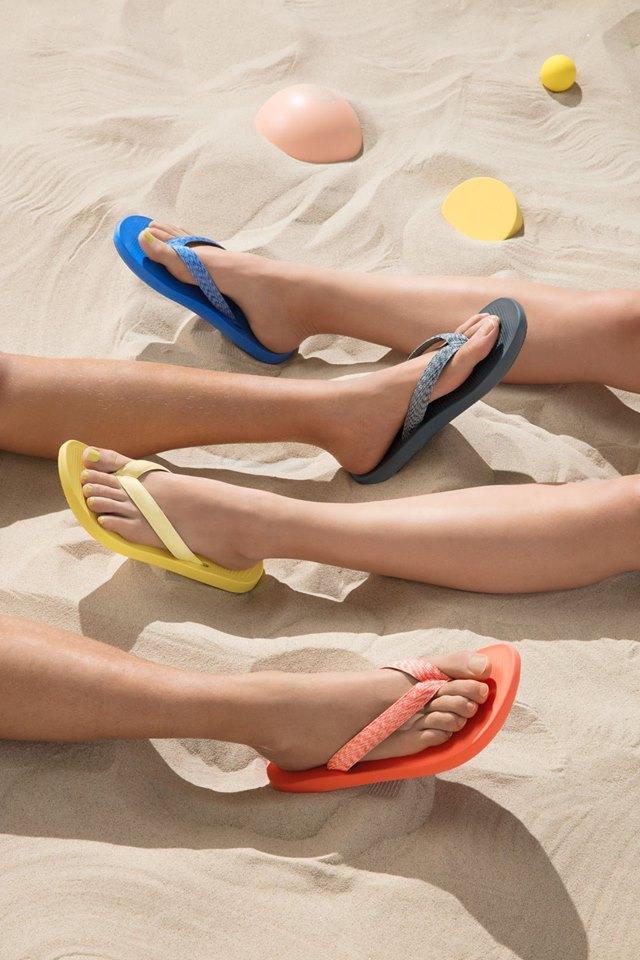 Η βιομηχανία παπουτσιών αφήνει μεγάλο ενεργειακό αποτύπωμα καθώς τα περισσότερα μέρη ενός παπουτσιού είναι πλαστικά φτιαγμένα από πετρέλαιο. Η εταιρεία Allbirds προσφέρει μια οικολογική εναλλακτική λύση, το SweetFoam, ένα νέο υλικό από ζαχαροκάλαμο, με το οποίο φτιάχνει σαγιονάρες και σόλες παπουτσιών