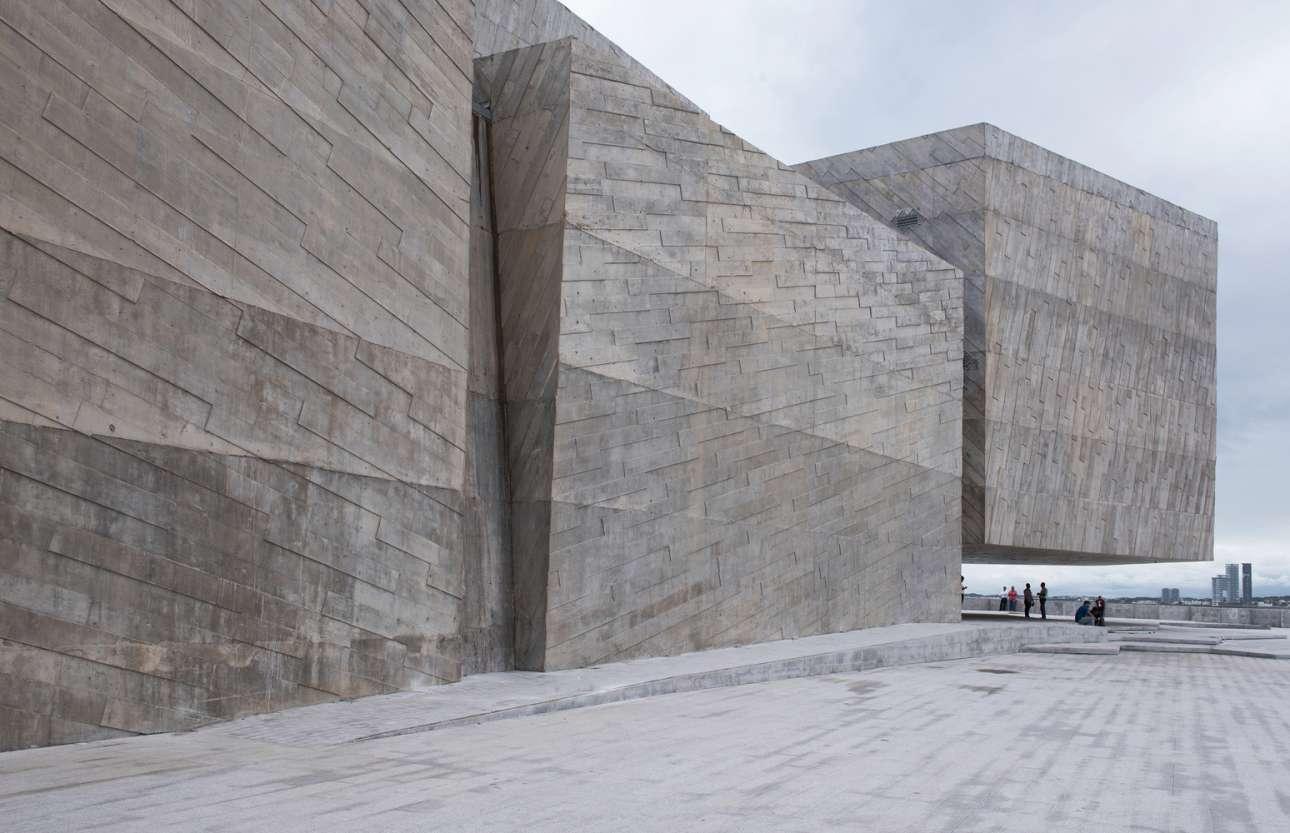 Το δυναμικό συναυλιακό μέγαρο Foro Boca στη Βερακρούζ, στον κόλπο του Μεξικού. Το τσιμεντένιο κτίριο αναζωογόνησε σημαντικά την πολιτιστική ζωή της παραθαλάσσιας πόλης