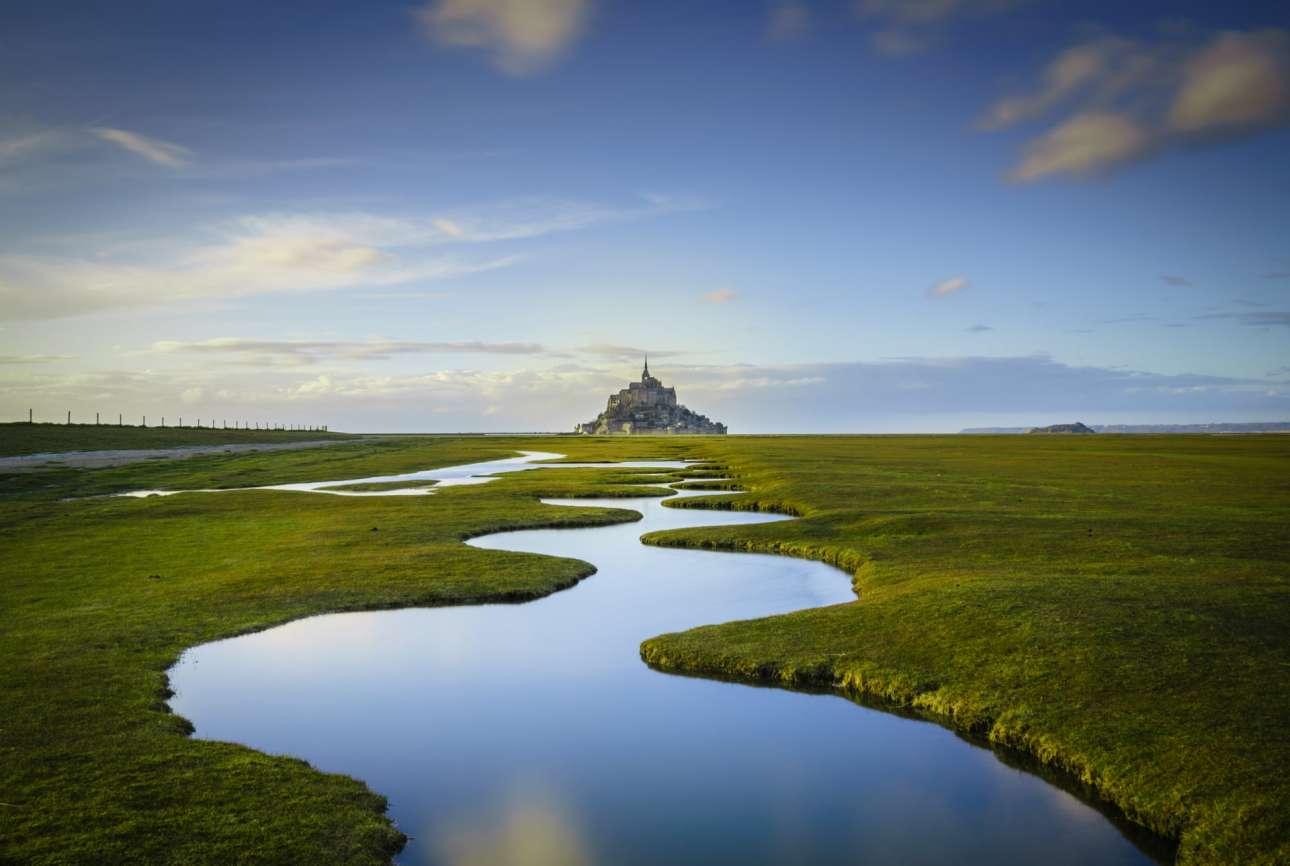 Πρώτο Βραβείο. Δειλινό πάνω από το Μον-Σαιν-Μισέλ, την ιστορική μικρή νησίδα στις ακτές της Νορμανδίας