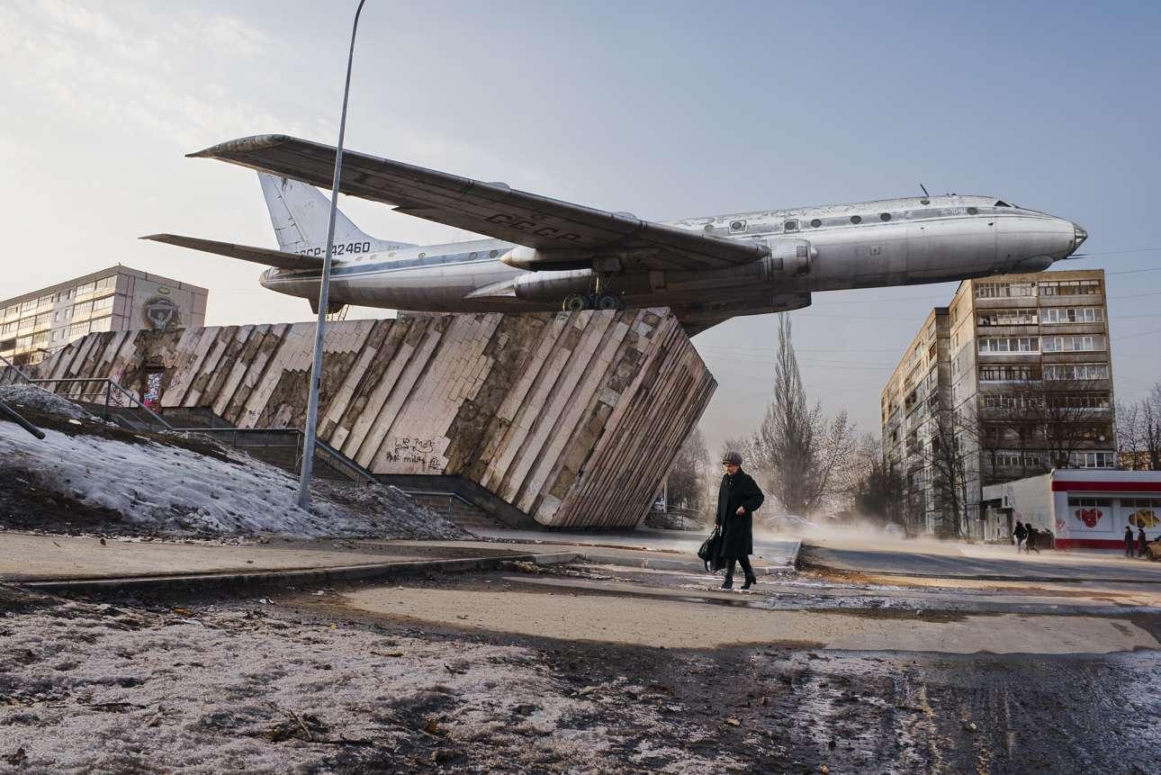 Ενα αεροπλάνο αφιερωμένο στους εργάτες που κατασκευάζουν κινητήρες κοσμεί το Ριμπίνσκ, τη ρωσική πόλη που από το 1920 λειτουργεί ως κορυφαίο κέντρο αεροναυπηγικής