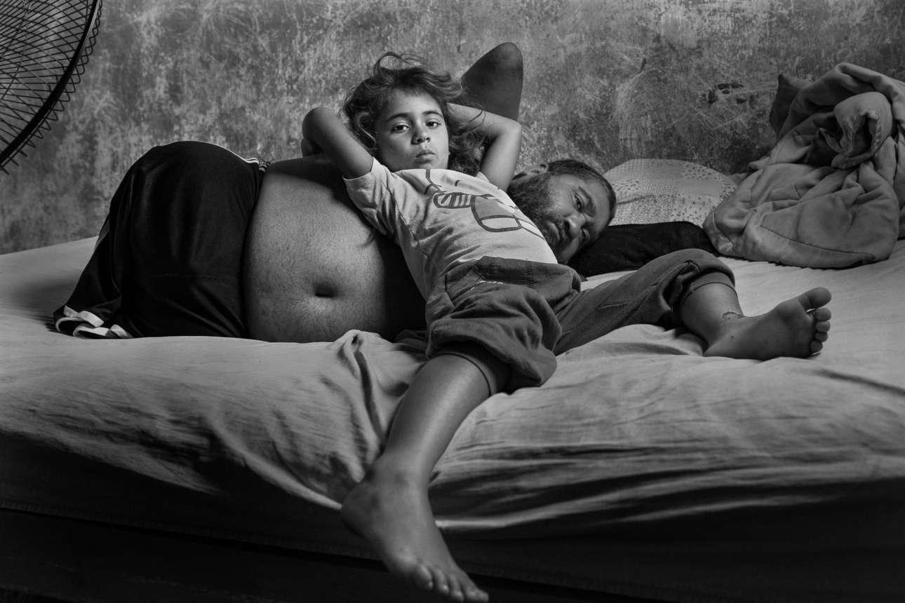 Ο 38χρονος, άνεργος Χόρχε ξυπνάει και περνάει τη μέρα του με την εξάχρονη κόρη του, στο Μπουένος Aιρες. Οι δυο τους έχουν αναπτύξει έναν δεσμό αγάπης, καθοδήγησης, φροντίδας, υποστήριξης και συνεργασίας