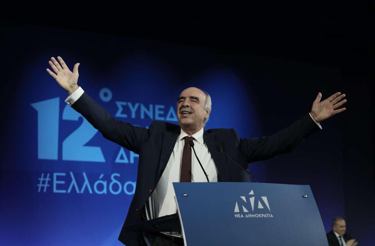 Ο Βαγγέλης Μεϊμαράκης στο τέλος της ομιλίας του