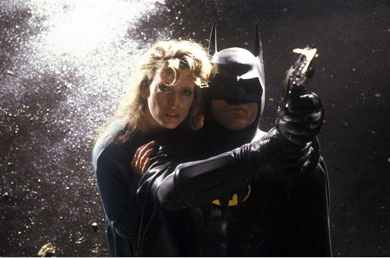 Με τον Μάικλ Κίτον στο «Batman» (1989), στον ρόλο της Βίκι Βέιλ