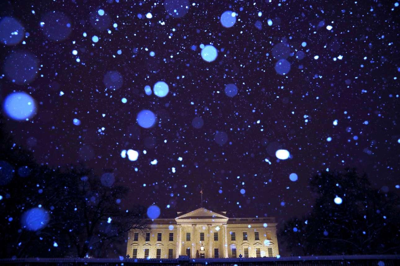 Τρίτη, 15 Ιανουαρίου, ΗΠΑ. Χιονόπτωση στον Λευκό Οίκο