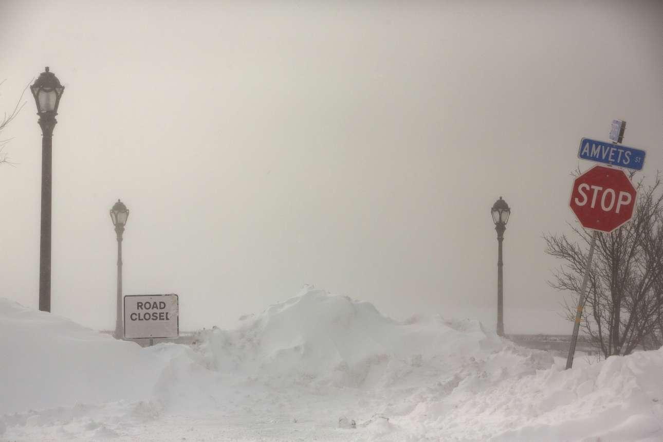Τα χιόνια έχουν κλείσει τα πάντα στο Μπάφαλο της πολιτείας της Νέας Υόρκης