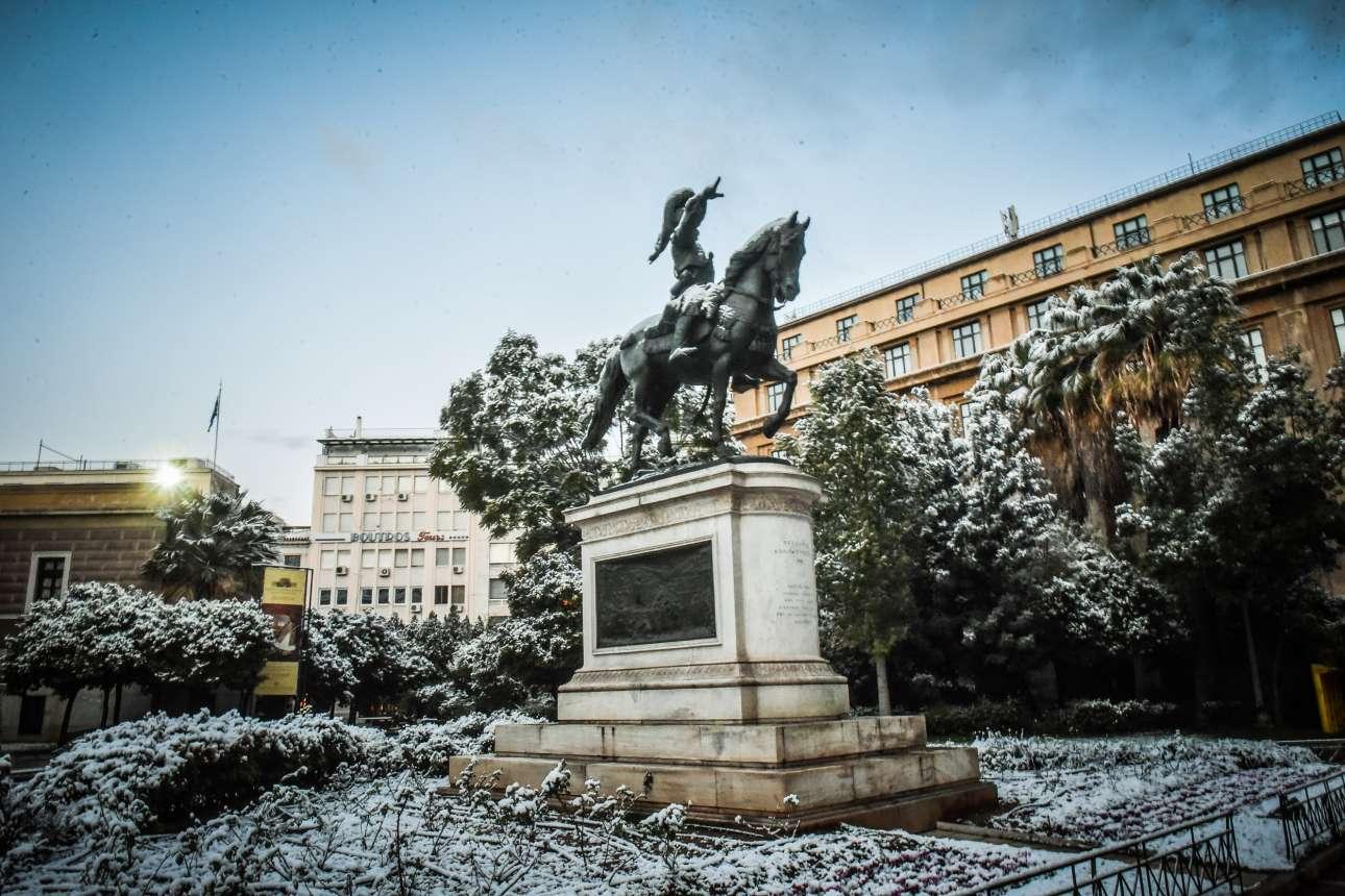 Το άγαλμα του Κολοκοτρώνη επί της οδού Σταδίου