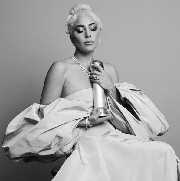Η Lady Gaga τιμήθηκε με τη Χρυσή Σφαίρα για το καλύτερο τραγούδι
