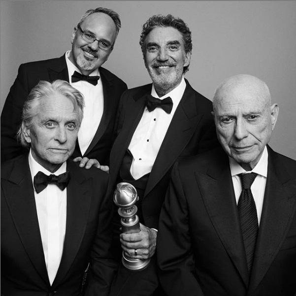 Οι συντελεστές της σειράς «The Kominsky Method», Χρυσή Σφαίρα για το καλύτερο σίριαλ στην κατηγορία Μιούζικαλ ή Κωμωδία