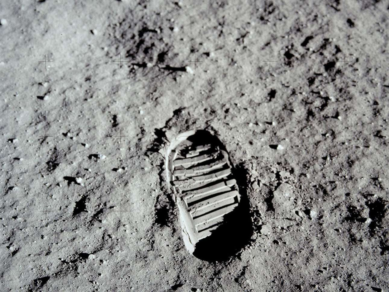 Το αποτύπωμα του Μπαζ Ολντριν, του δεύτερου ανθρώπου στην Ιστορία που περπάτησε πάνω στη Σελήνη
