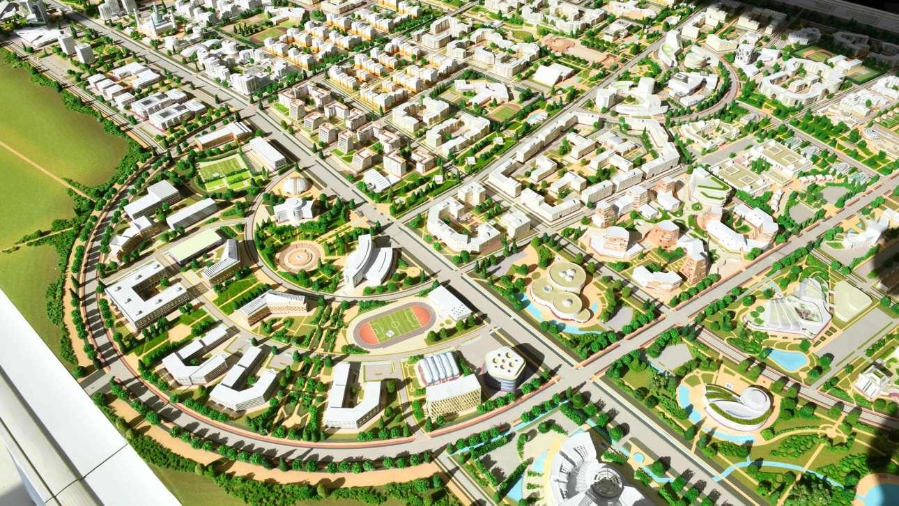 Στο Khorgos του Καζακστάν η κινεζική εταιρεία COSCO κάνει μια μεγάλη επένδυση στο νέο διεθνές σιδηροδρομικό κέντρο, όπου κοντέινερ θα φορτώνονται σε τρένα αντί για πλοία. Εκεί όπου θα περνάει ο Νέος Δρόμος του Μεταξιού, κατασκευάζεται και η πόλη Νουρκέντ, το νέο οικονομικό και πολιτιστικό κέντρο που θα φιλοξενήσει 100 χιλιάδες άτομα