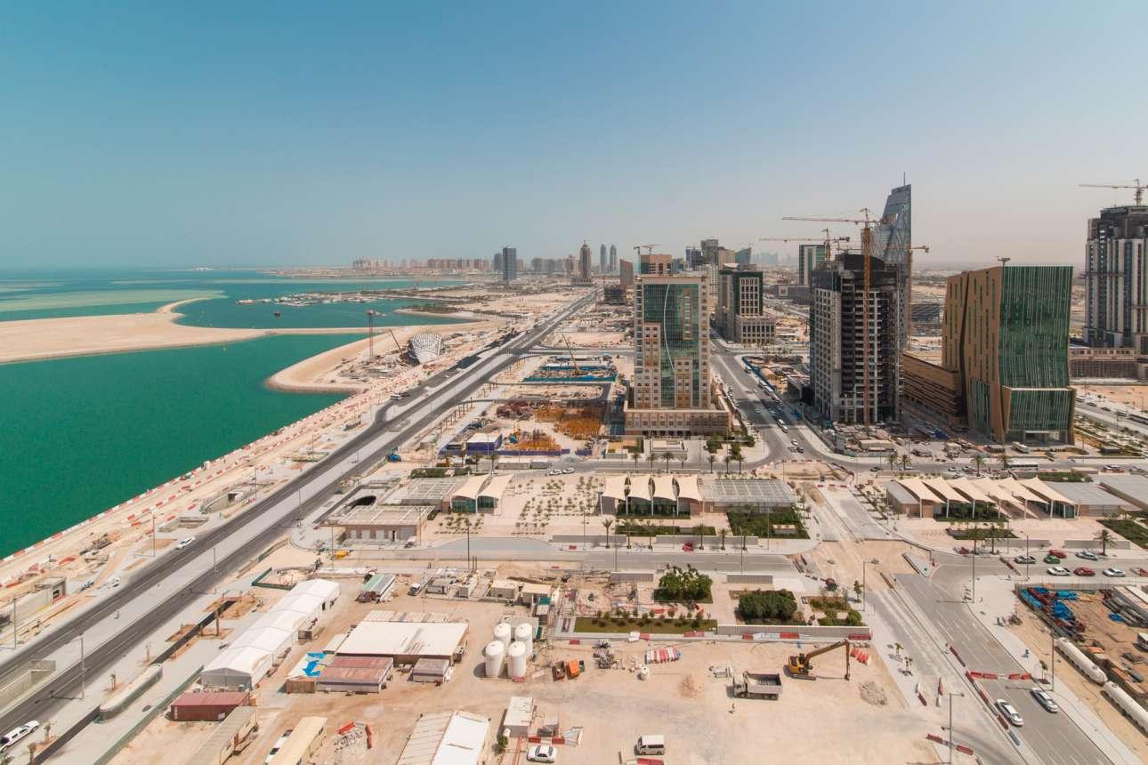 Η Λουσάιλ είναι μια πόλη ήδη υπό κατασκευήν,15 χιλιόμετρα έξω από την πρωτεύουσα του Κατάρ, την Ντόχα. Θα είναι 100% οικολογικά βιώσιμη, με φουτουριστικές κατασκευές σχεδιασμένες ώστε να μην ξοδεύεται άσκοπα ούτε σταγόνα νερού. 400 χιλιάδες άνθρωποι θα μπορέσουν να κατοικήσουν στις 19 γειτονιές της. Το 2022 θα φιλοξενήσει ορισμένους αγώνες του Παγκοσμίου Κυπέλλου Ποδοσφαίρου