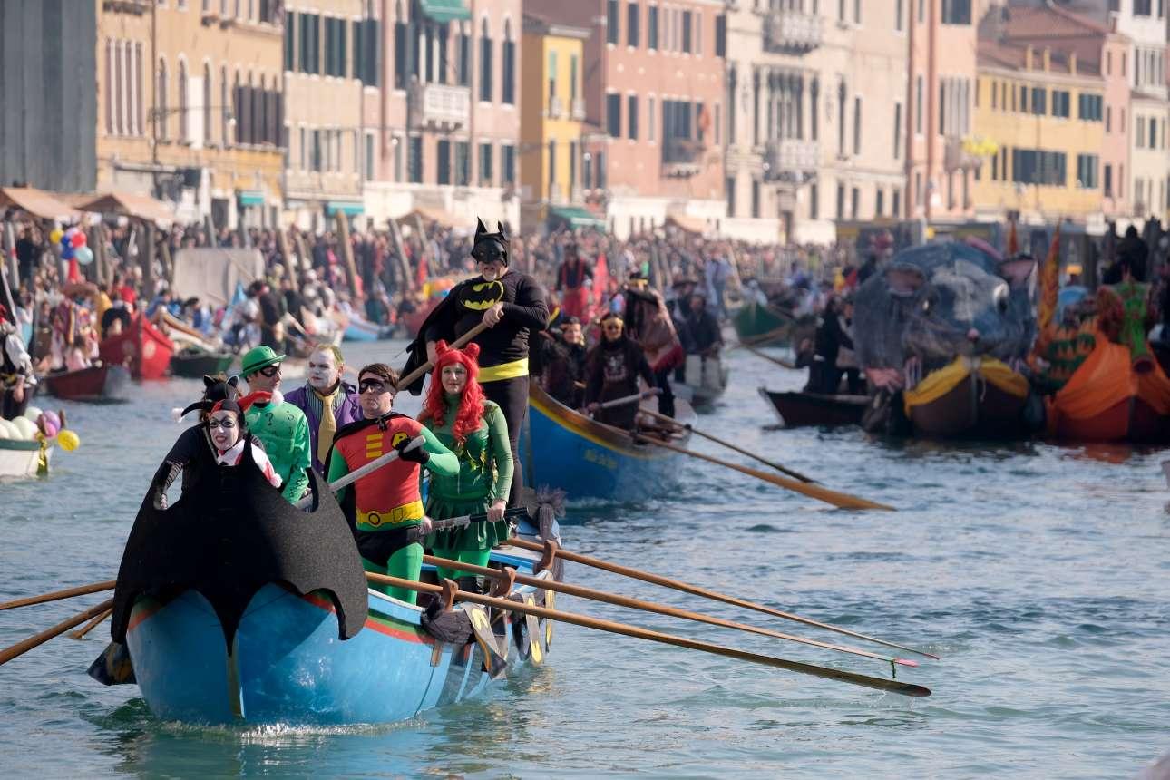Αμερικανικές ηρωικές πινελιές από τον βενετσιάνο γονδολιέρη - εξάλλου ούτε από νυχτερίδες έχει έλλειψη η Βενετία