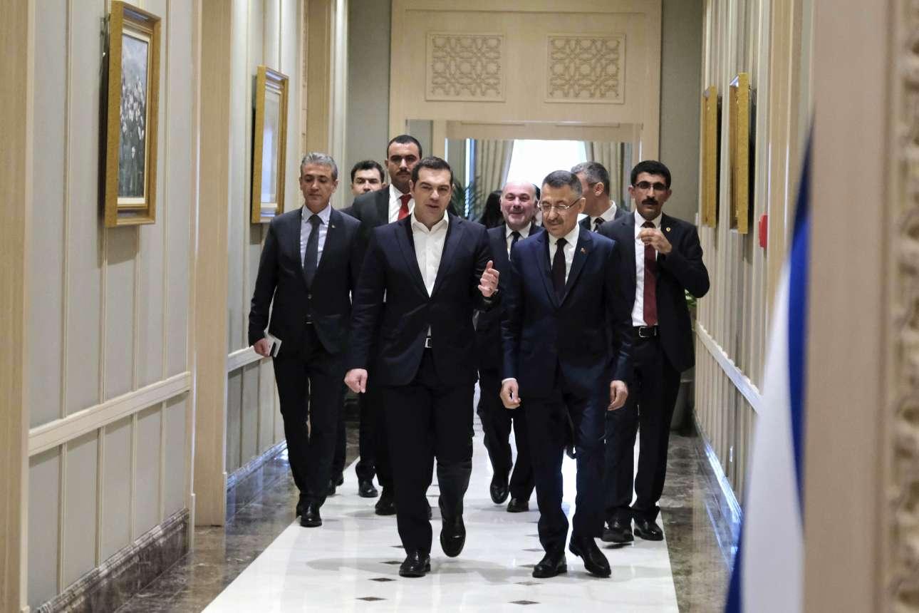 Η πρώτη φάση της υποδοχής του Αλέξη Τσίπρα. Από τον αντιπρόεδρο της Τουρκίας Φουάτ Οκτάι