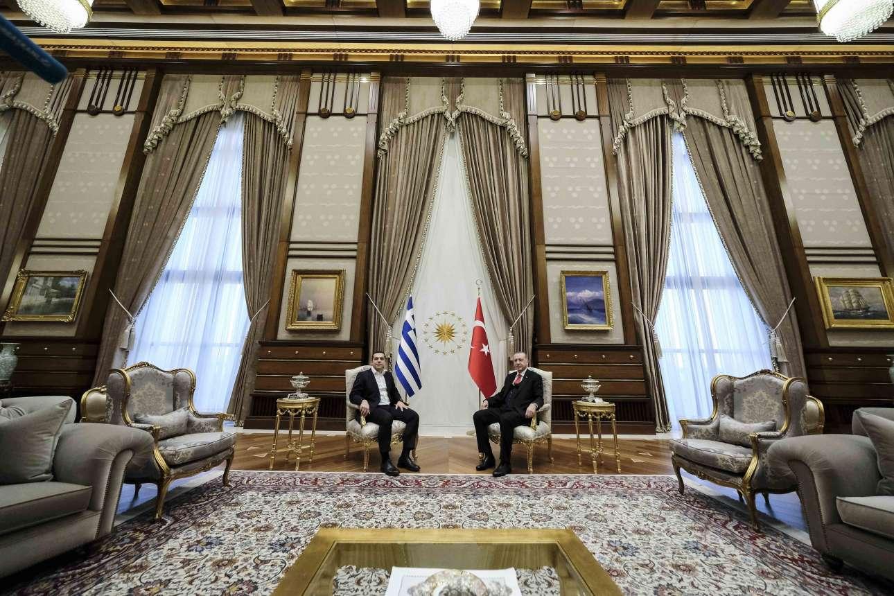 Αλέξης Τσίπρας και Ταγίπ Ερντογάν στο προεδρικό μέγαρο της Αγκυρας