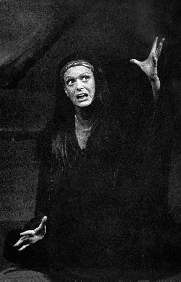 Το 1976 στη «Μήδεια» στο Θέατρο Δάσους