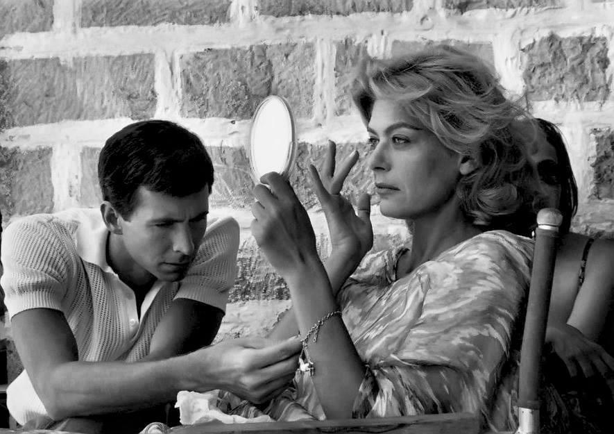 Με τον Αντονι Πέρκινς στα γυρίσματα της «Φαίδρας» (1962) του Ζυλ Ντασέν