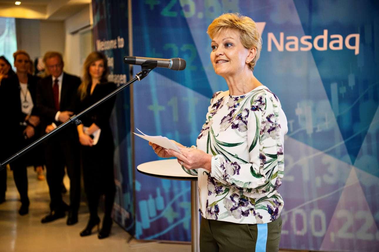 Η δανέζα υπουργός Ισότητας των Φύλων, Εβα Κγιερ Χάνσεν, κηρύσσει την έναρξη της συνεδρίασης του χρηματιστηρίου της Κοπεγχάγης σε μία συμβολική τελετή για την Ημέρα της Γυναίκας