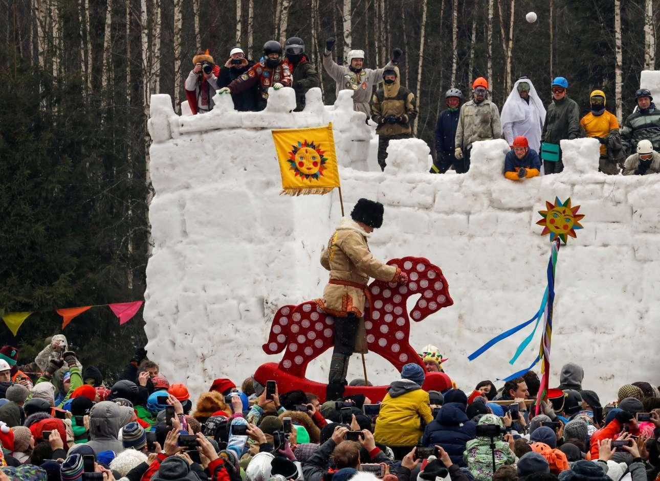 Μάχη για το κάστρο από χιόνι