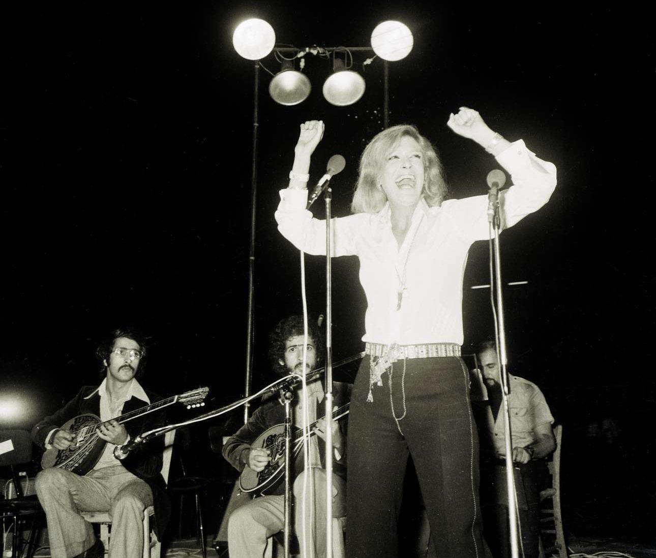Η Μελίνα σε συναυλία, σύμβολο του αντιδικτατορικού αγώνα