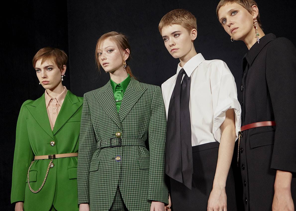 Η σχεδιάστρια Κλερ Γουάιτ Κέλερ δήλωσε πως η ιδέα πίσω από τη νέα συλλογή του Givenchy είναι ένα «αριστοκρατικό κορίτσι που ζει σε έναν αστικό κόσμο»