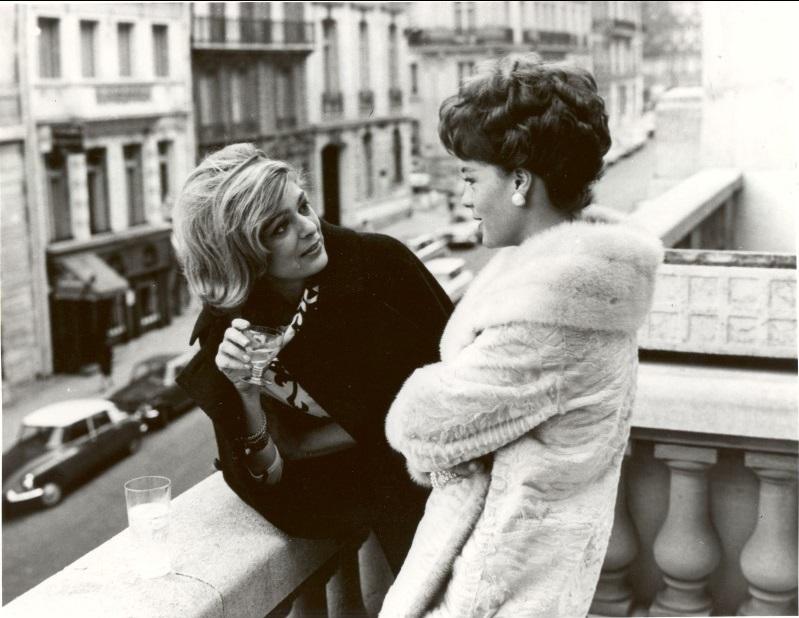 Με τη Ρόμι Σνάιντερ σε ένα διάλειμμα των γυρισμάτων του φιλμ «Στις 10:30 ένα καλοκαιρινό βράδυ» (1966) του Ζυλ Ντασέν