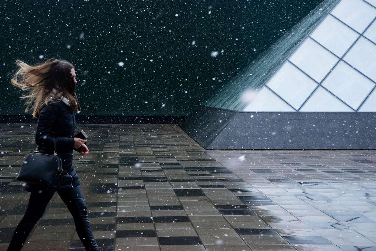 «Ανοιξιάτικο Χιόνι», κατηγορία Ταξίδι. Χιόνι πέφτει στη Μόσχα κατά τη διάρκεια μίας ανοιξιάτικης μέρας
